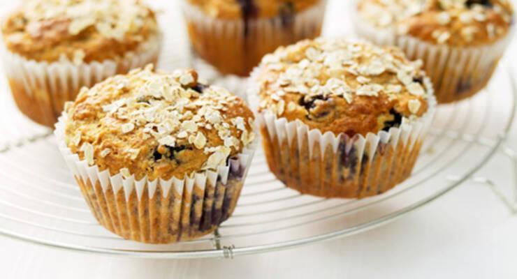 Фото к статье: «Хорошая еда». Рецепты из овсянки: маффины и десерт кранахан