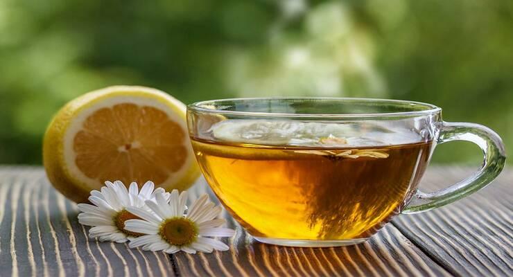 Фото к статье: Без химии: красивый оттенок волос с помощью чая, лимона и ромашки
