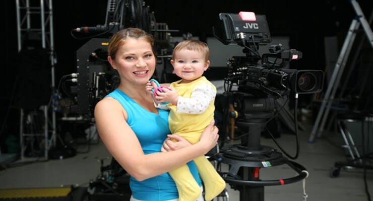 Фото к статье: Фитнес для мамы с ребенком: «Фитнес-мама»