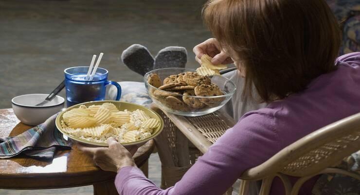 Фото к статье: После шести: какие вечерние хитрости помогут похудеть