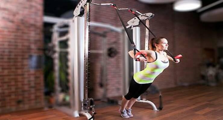 Фото к статье: Функциональные тренировки с петлями: для мужчин и женщин
