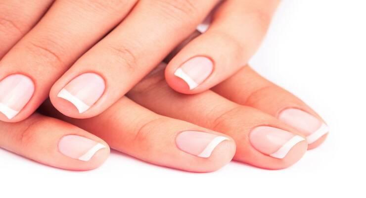 Фото к статье: Уход за ногтями дома: против заусенцев, неровностей, ломкости