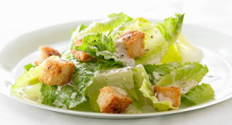 Фото к статье: «Хорошая еда». Легкий салат «Цезарь» и домашний майонез