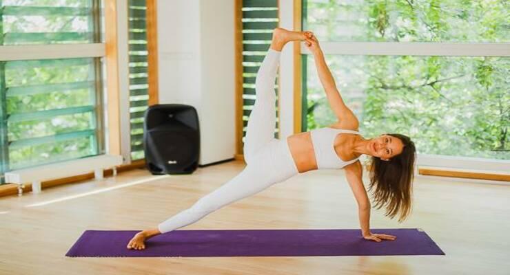 Фото к статье: 11 асан йоги  для путешественников