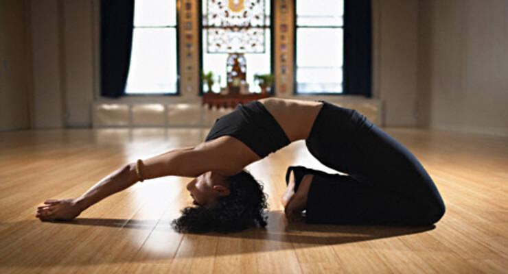 Фото к статье: Здоровый позвоночник: мастер-классы по йоге с Рави Кумаром Довлуру