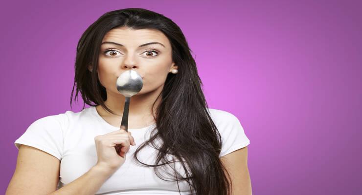 Фото к статье: Почему в вашей косметичке должна быть ложка