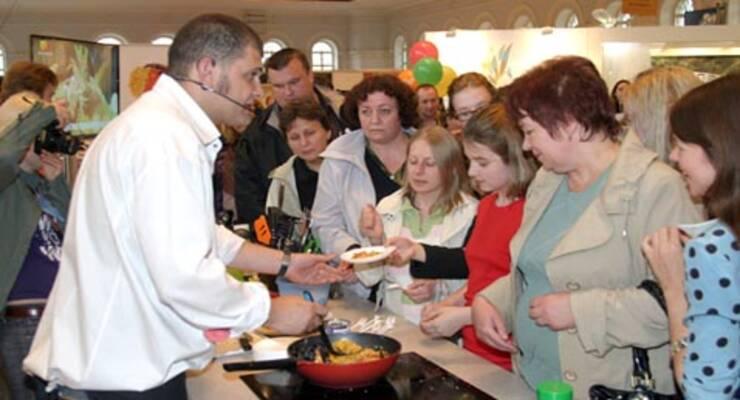 Фото к статье: «Фуд-шоу» — 2010: мидии, сыр и суп-шампанское