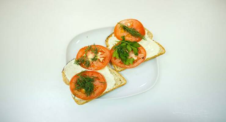 Фото к статье: Видеорецепт: сэндвич с кабачковой пастой