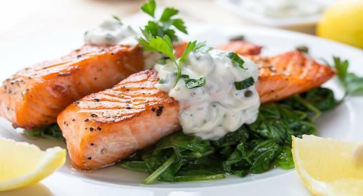 Фото к статье: Жареный лосось в миндальном соусе