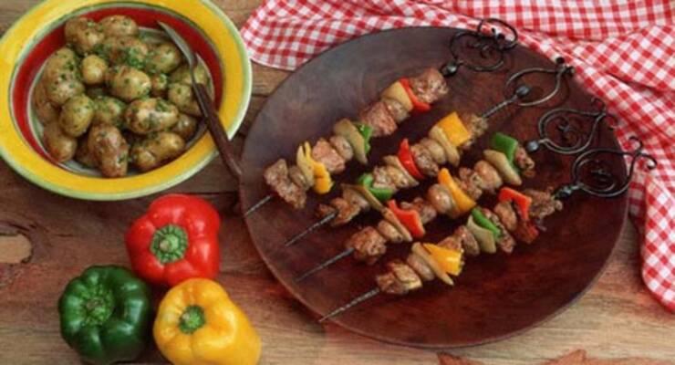 Фото к статье: Курица, говядина, свинина и баранина: как выбрать хорошее мясо для шашлыка?