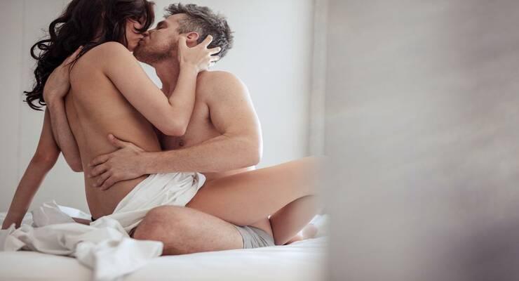 Фото к статье: Новое исследование: как сохранить страсть в долгих отношениях