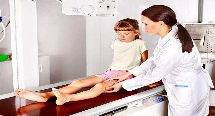 Фото к статье: Физиотерапия для детей: тепло, вода и УФ-лучи помогут малышу быстрее выздороветь