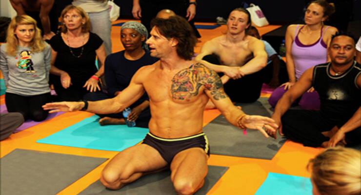 Фото к статье: Звездный фитнес: самые известные тренеры-мужчины