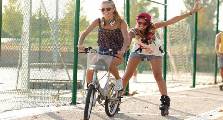 Фото к статье: Самокат, ролики, велосипед: как сделать летний отдых безопасным