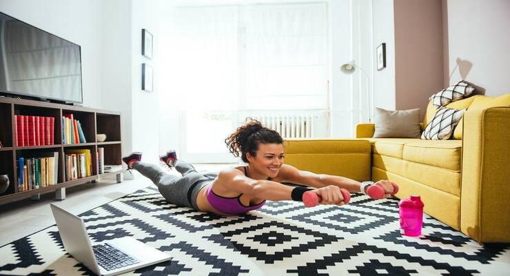 Фото к статье: Похудеть к Новому году: лучшие тренировки для дома