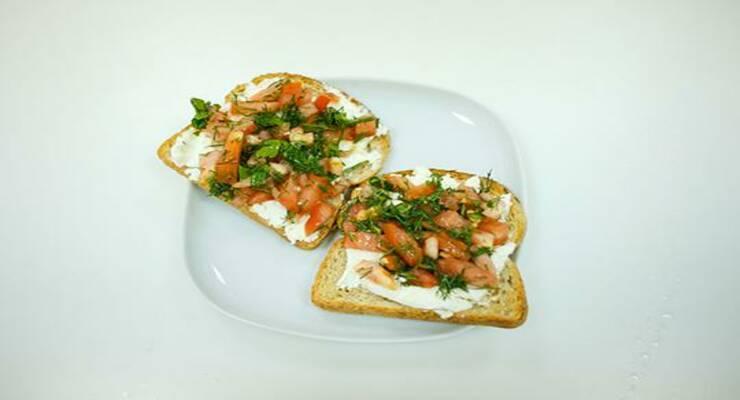 Фото к статье: Видеорецепт: сэндвич в итальянском стиле