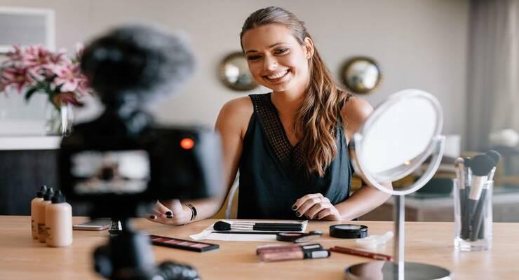 Фото к статье: 4 хитрости макияжа, подсмотренные у бьюти-блогеров