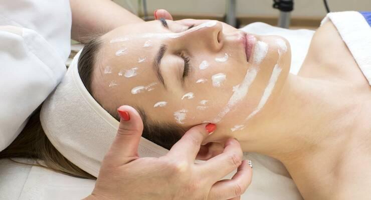 Фото к статье: Процедура месяца: улучшаем цвет лица