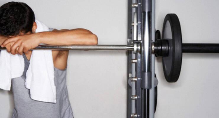 Фото к статье: Силовые тренировки: сколько отдыхать между подходами?