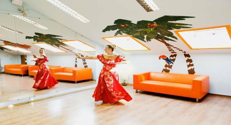 Фото к статье: Гавайские танцы для сексуальных форм (видео)
