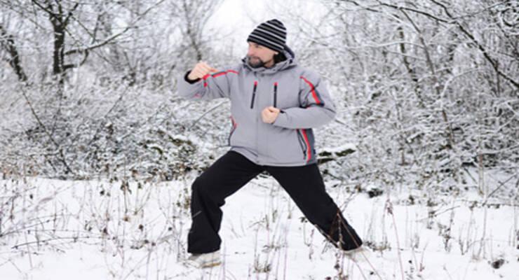 Фото к статье: Как продолжить фитнес-тренировки на улице зимой