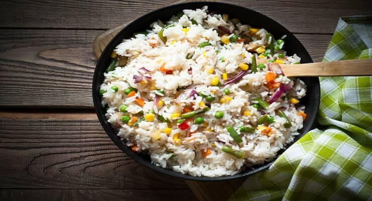 Фото к статье: Жареный рис с ананасом