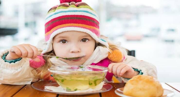 Фото к статье: Зимний рацион малыша: как восполнить дефицит солнца