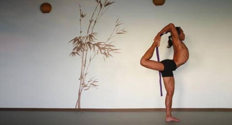 Фото к статье: Алена Мордовина: «Представь, что у тебя из ноги растут красные корни»
