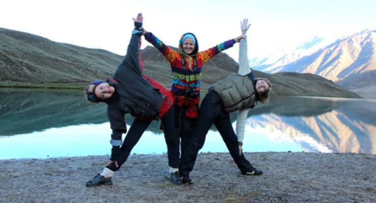 Фото к статье: Как Юлия Шелковина занималась йогой в Гималаях