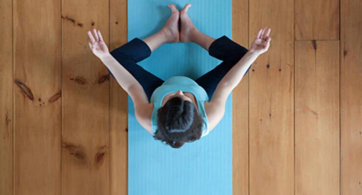 Фото к статье: Как выбрать коврик для йоги и фитнеса