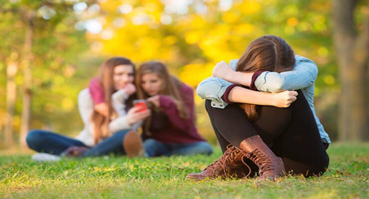 Фото к статье: Чужой среди своих. Почему подростка не принимает коллектив