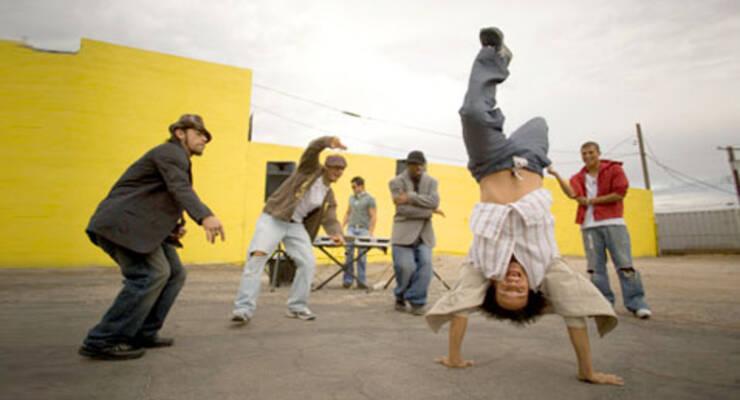 Фото к статье: Танцевальный ликбез Ильи Вяльцева: middle school хауса