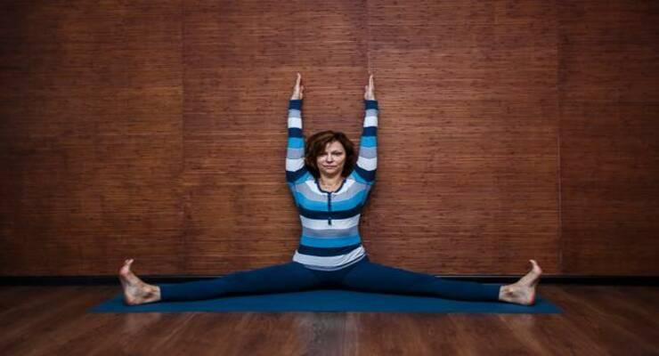 Фото к статье: 8 асан йоги, которые сделают эластичными мышцы ног и бедер