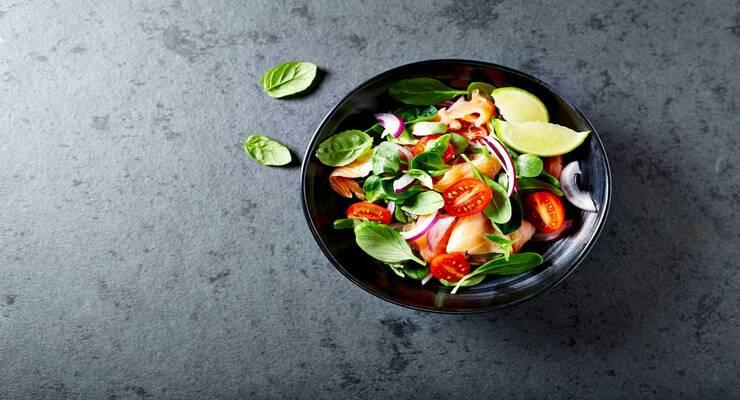 Фото к статье: Салат из нута и шпината