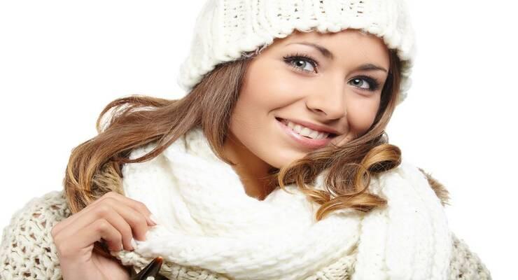 Фото к статье: Как сохранить красивую укладку под шапкой