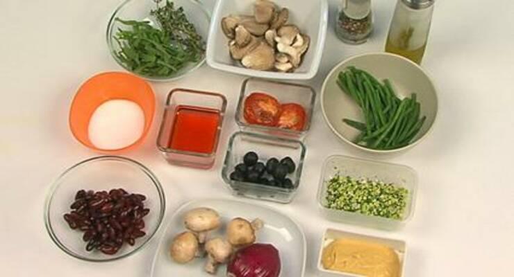 Фото к статье: Грибной салат с фасолью и рукколой
