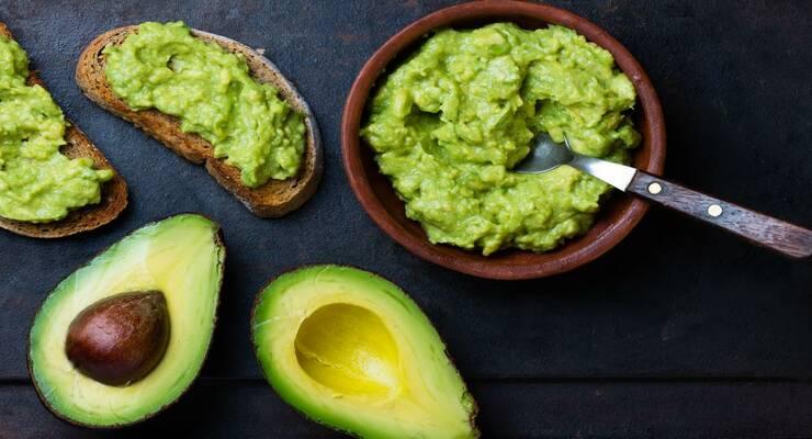 Фото к статье: 3 простых рецепта с авокадо: соус, закуска, йогурт
