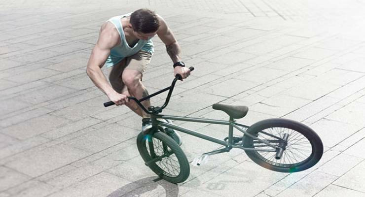 Фото к статье: Несложные трюки на велосипеде, которые пригодятся в повседневных прогулках (видео)