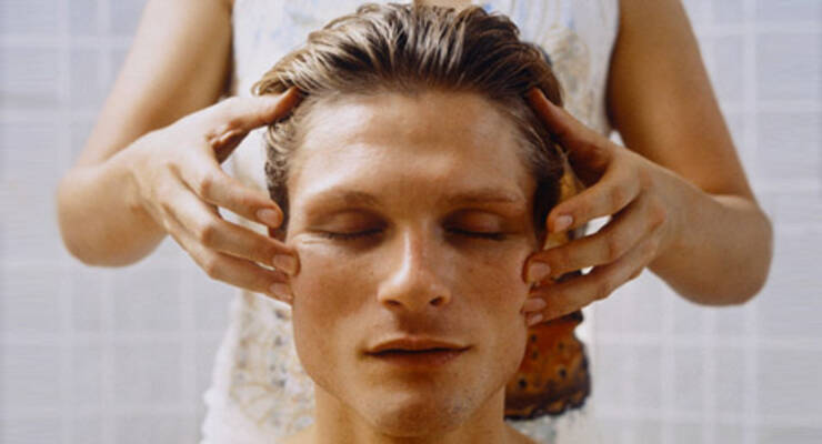 Фото к статье: Точечный массаж против простуды