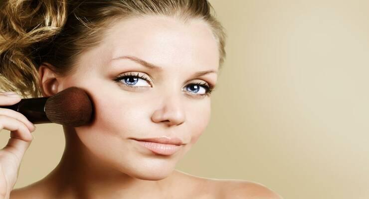Фото к статье: Искусство макияжа: как наносить румяна