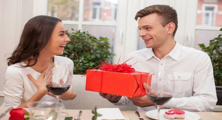 Фото к статье: Мужская щедрость: границы разумного