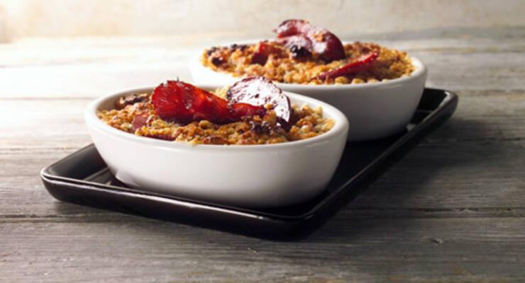 Фото к статье: «Хорошая еда». Овсяное печенье и сливовый крамбл