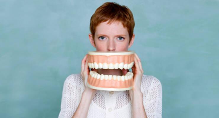 Фото к статье: Натуральное отбеливание зубов в домашних условиях