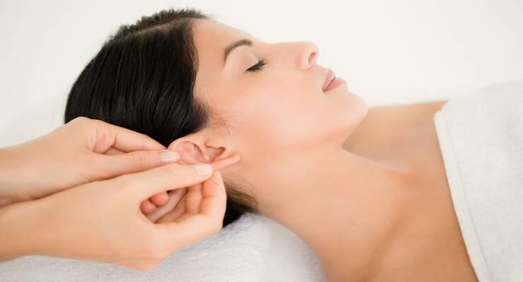Фото к статье: Утренний массаж против сонливости