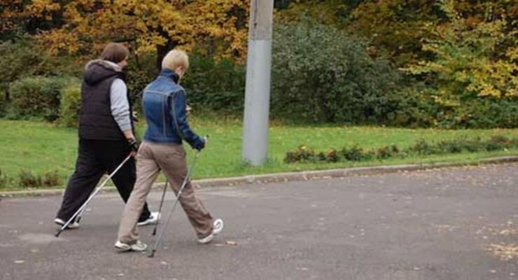 Фото к статье: Скандинавская ходьба в Москве