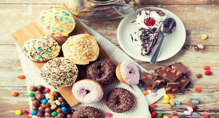 Фото к статье: 7 способов есть меньше сладкого