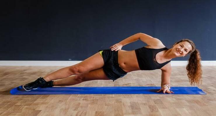 Фото к статье: Как убрать бока: 5 упражнений, которые вы еще не пробовали