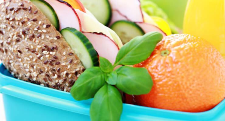Фото к статье: Здоровые обеды в клубе «ЖИВИ!»