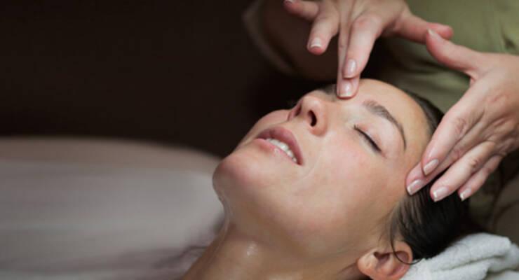 Фото к статье: Точечный массаж против зубной боли