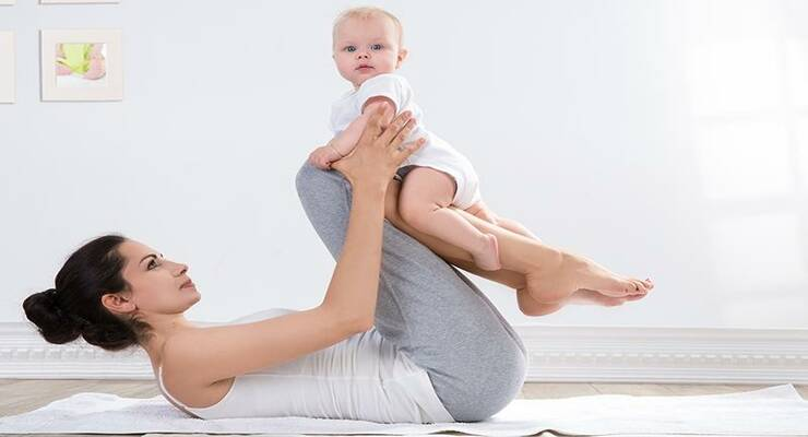 Фото к статье: Как заниматься фитнесом, когда вы кормите ребенка грудью
